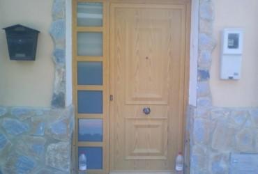 Puerta aluminio madera